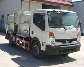 130马力郑州日产凯普斯达餐厨垃圾车