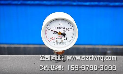 用图片来介绍东风多利卡d9吸污车外观用